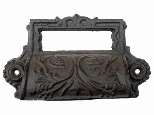 Poignée de meuble style baroque